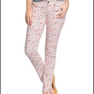 Old Navy Rockstar NWT White/Red Floral Pants 4